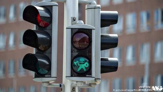 كيف يؤقتون إشارات المرور الضوئية بحيث يظل خط السير مفتوحاً؟